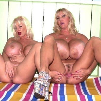 Große Zwillings Titten
