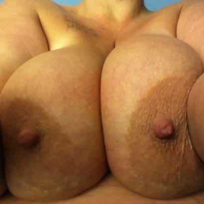 Riesen Nippel von der Mama