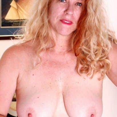 Ältere Maus Bilder von Brüsten