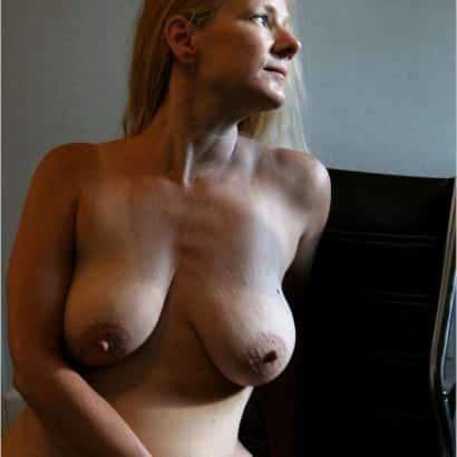 Bilder von älteren Brüsten