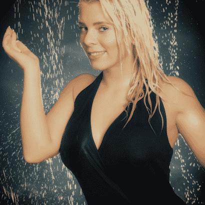 Jenny Frankhauser feucht