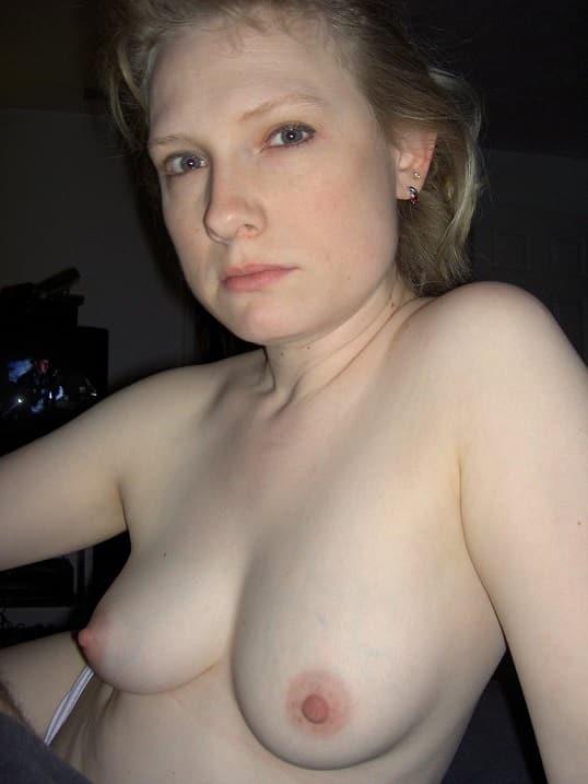 Kleine Spitze Titten