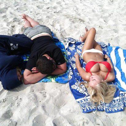 Silikon Titten am Strand