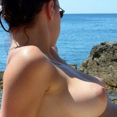 kleine Brüste im Urlaub