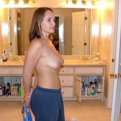 kleine brüste von der seite