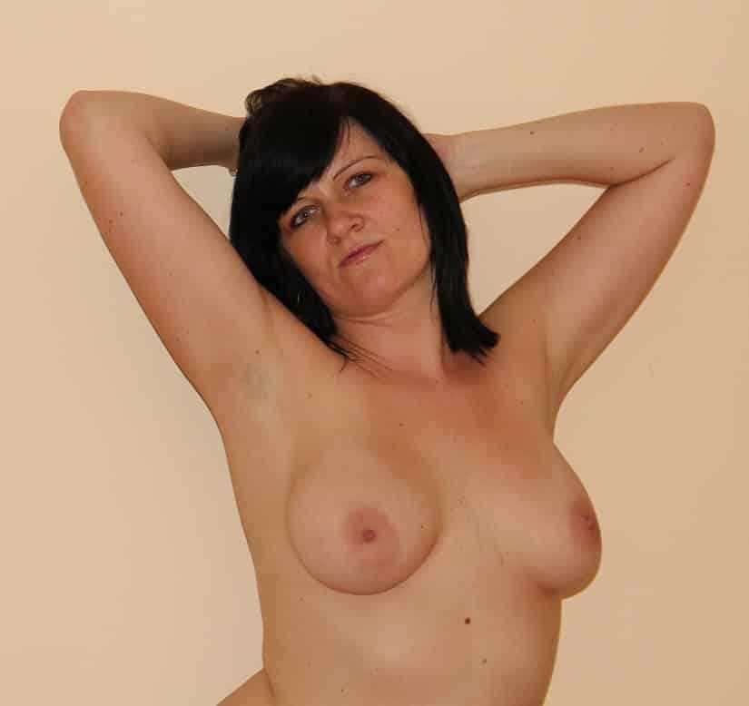 Geile Frauen Mit Kleinen Brüsten