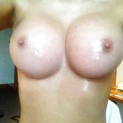 Silikon Titten und kleine Nippel