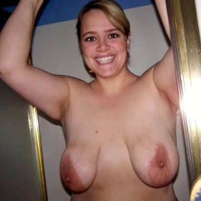 Hängende Nackte Brüste