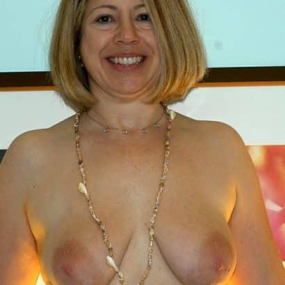 Milf Nackte Brüste