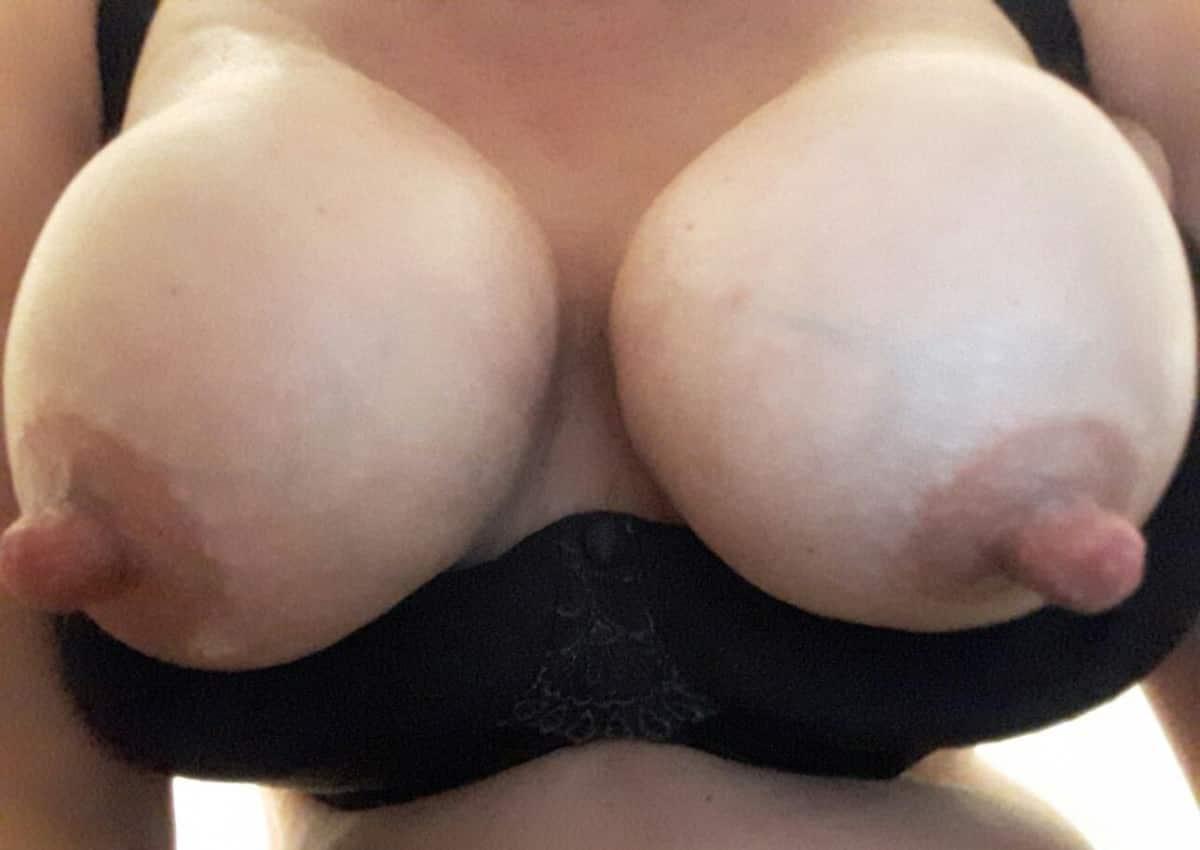 puffy brustwarzen nackt