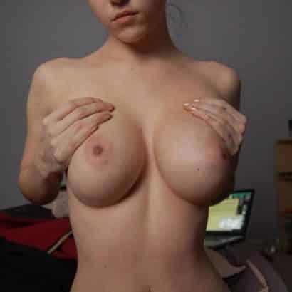Perfekte Brüste hochziehen