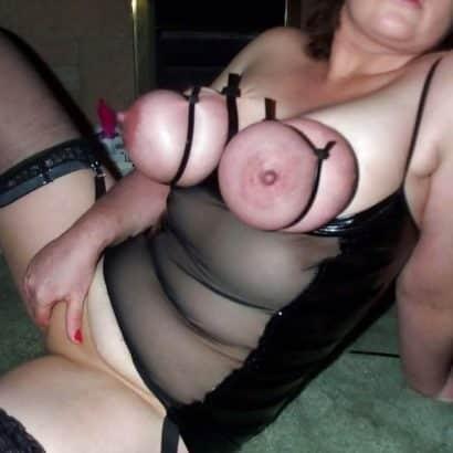 Tittenfolter bei einer Frau