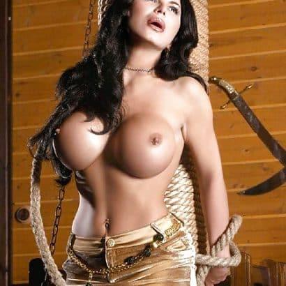 Brüste aus Silikon Bondage