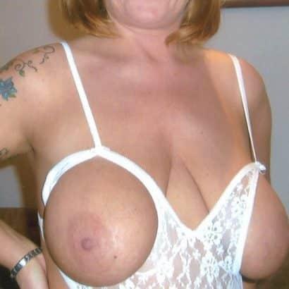 Große Brüste Dessouss