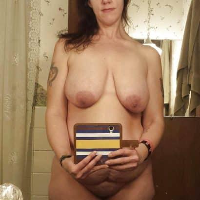 Hängede Titten Selfie
