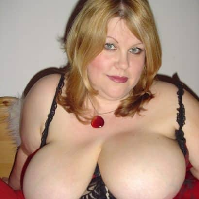Big Tits aus Corsett