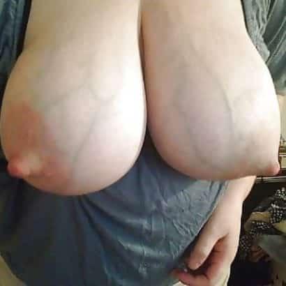 Titten nackt mit Adern