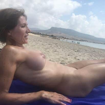 Alte Titten am Strand