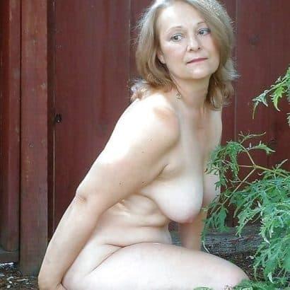 Alte Titten im Garten