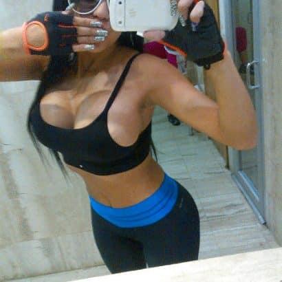 Sport machen mit Silikon Brust