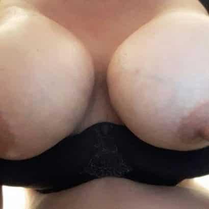 lange brustwarzen an dicken titten