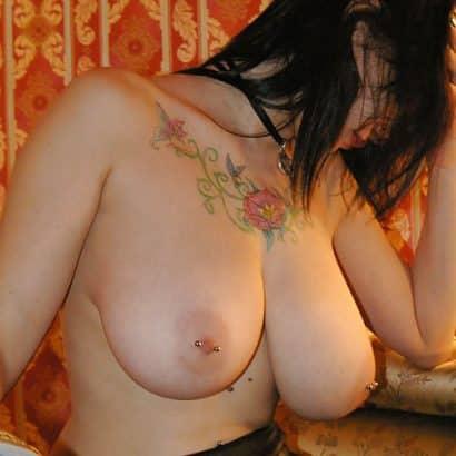 Brustpiercing zeigen