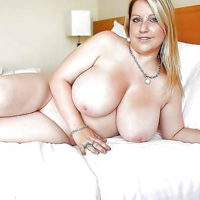 Dicke Euter auf dem Bett