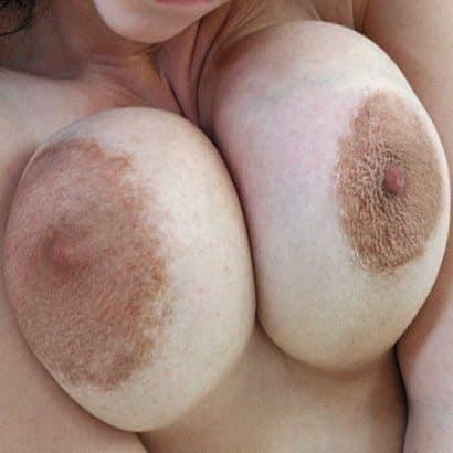 Unterschiedlich große Brustwarzen