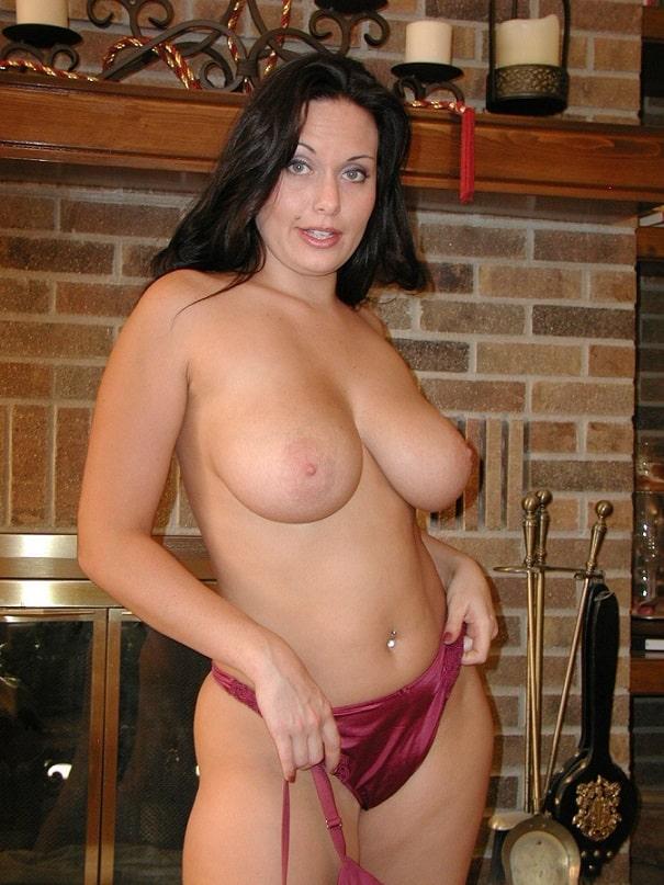 Giant tits milf
