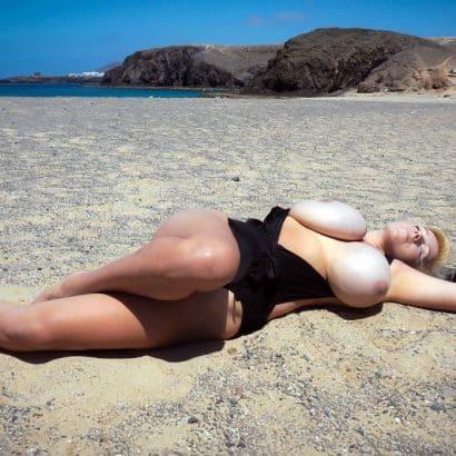 Rieseneuter im Sand