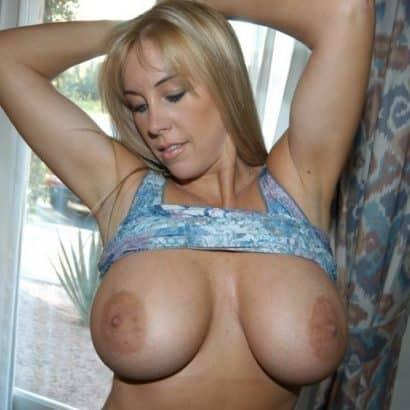Blonde Milf Schöne große Titten