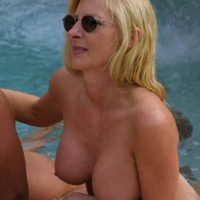 Fake Brüste Blondine