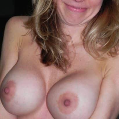 schöne Brustwarzen fake tits