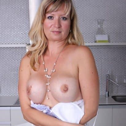 kleine brüste aus silikon