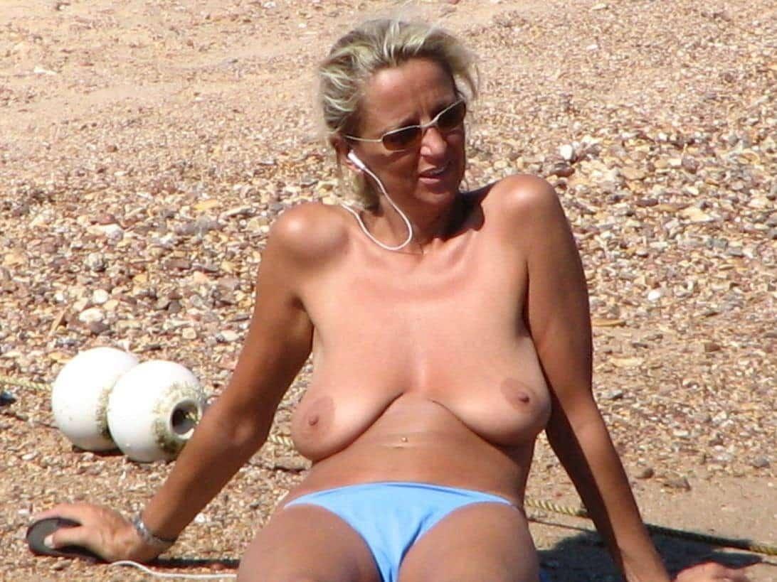 Große Brüste Strand