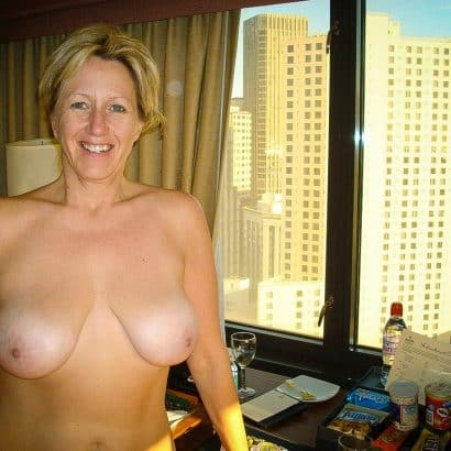 Nackte Titten Hotelzimmer