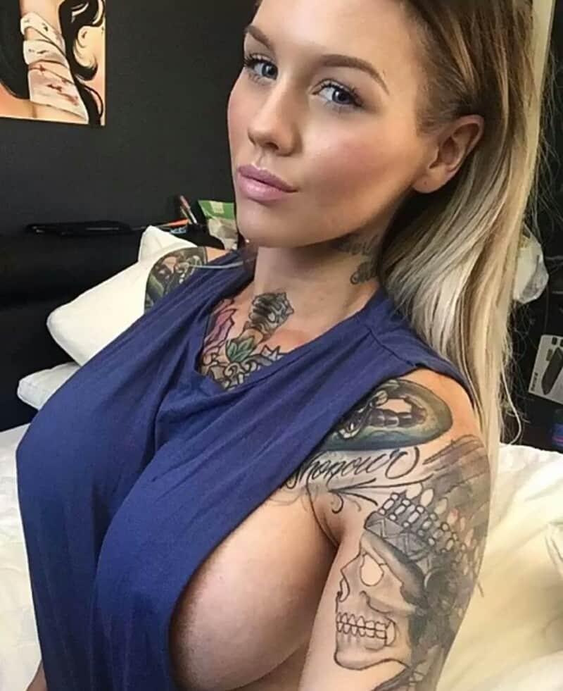 Brüste Fallen Raus