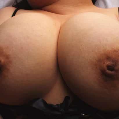 Dunkle Geile Brustwarzen