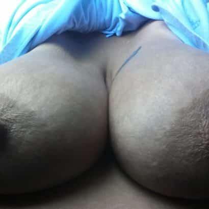 Halbsteife Geile Brustwarzen