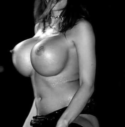 Krasse Brüste aus Silikon