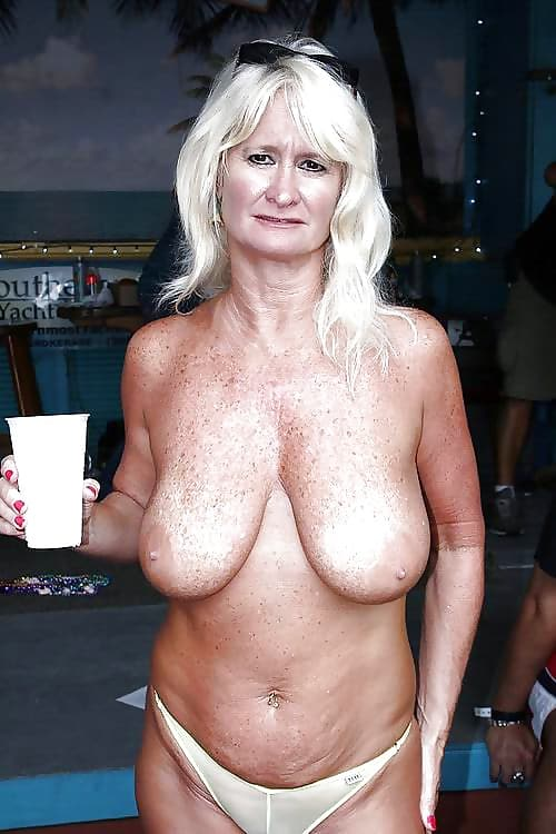 Omas Brüste