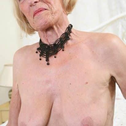 Faltige Oma