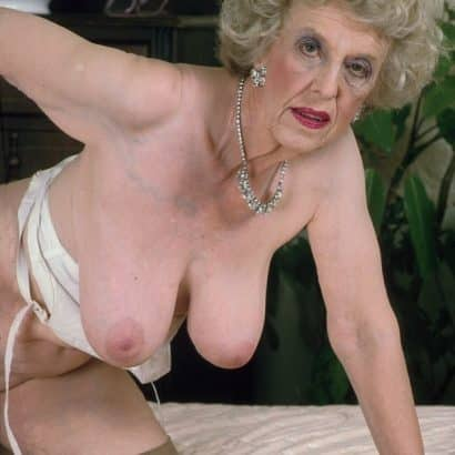 Granny Titten
