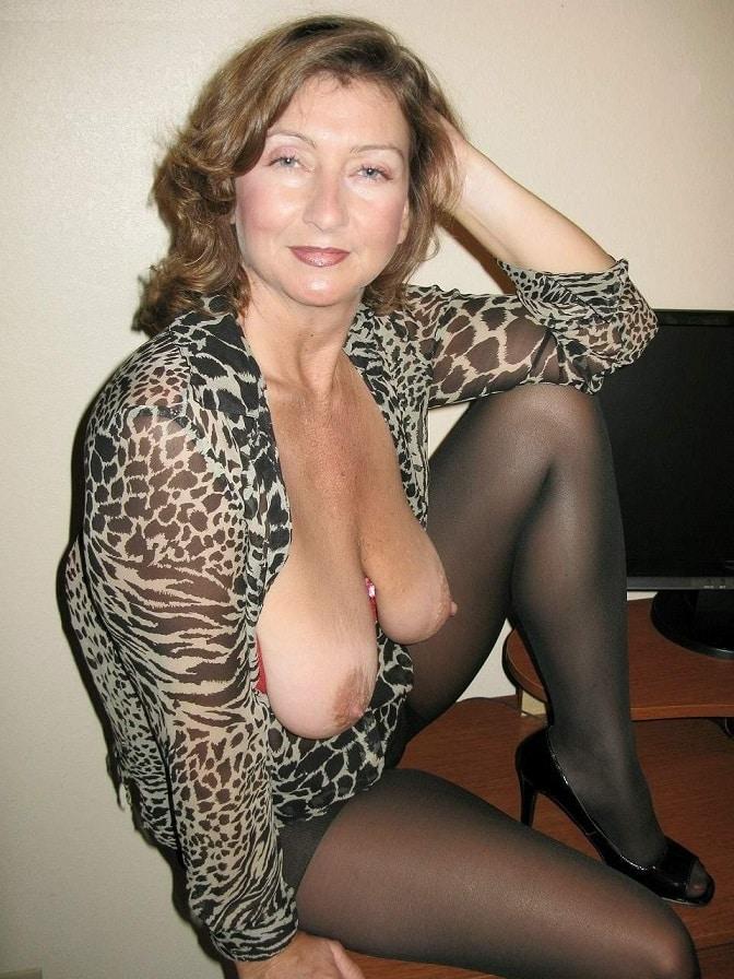 Oma titten nackt geile Oma Titten