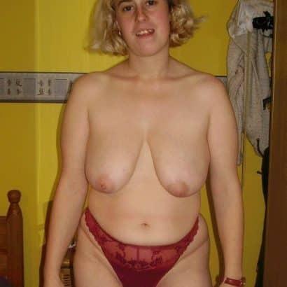 Blonde Hängede Titten
