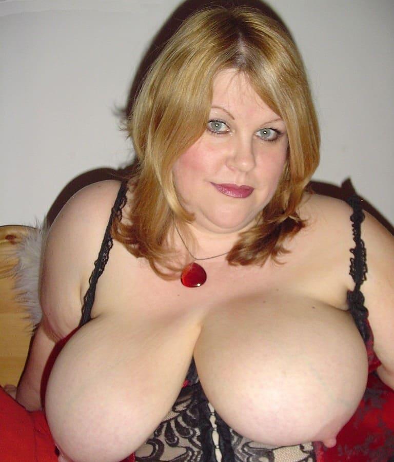 Frauen nackt big boobs