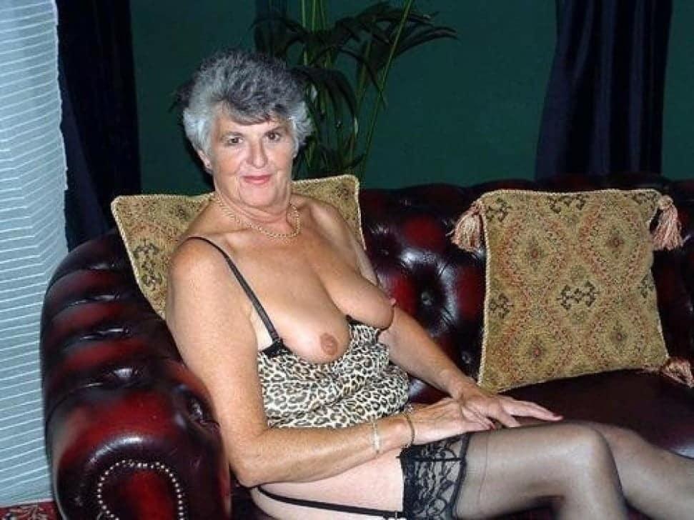 Nackt grauhaarige frauen Search Results