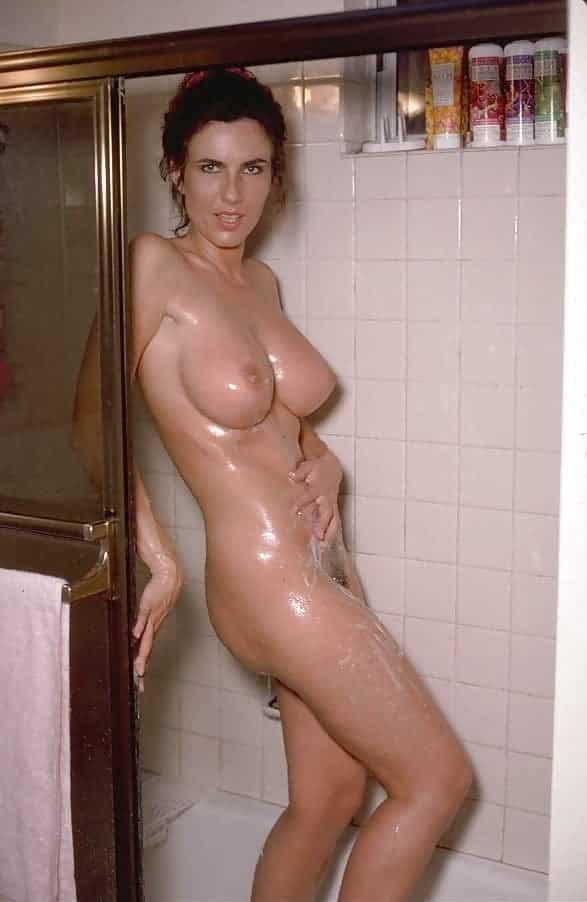 Titten in der dusche