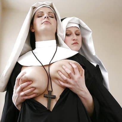 Nonnen Titten kneten