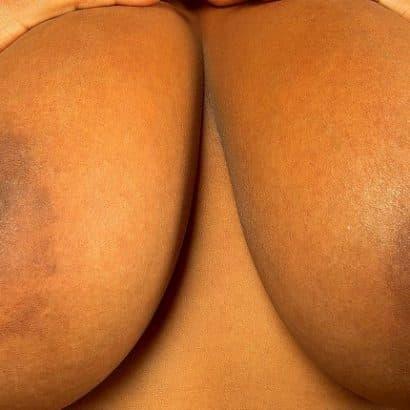 Schwarze Sexy Titten